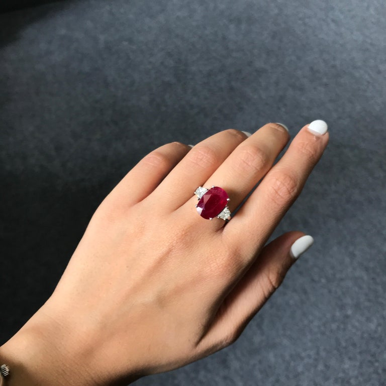 Certified 7.85 Carat Burma Ruby and Diamond Three-Stone Engagement Ring In New Condition For Sale In Bangkok, Thailand