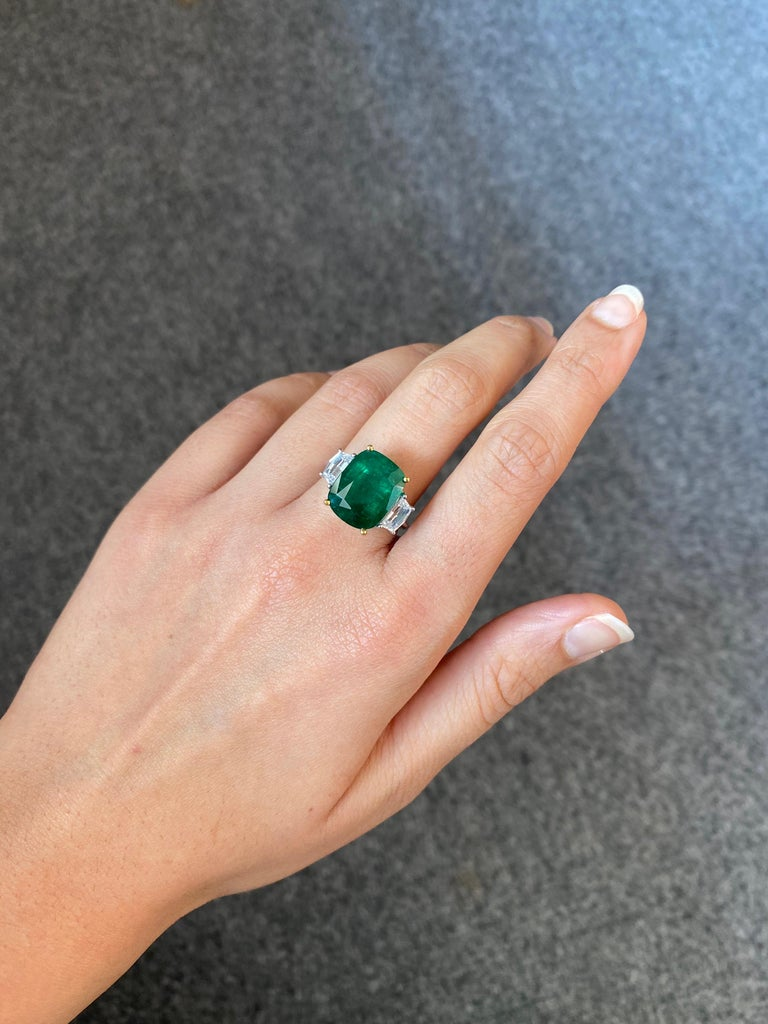 Certified 7.88 Carat Emerald and Diamond Three-Stone Engagement Ring For Sale 1