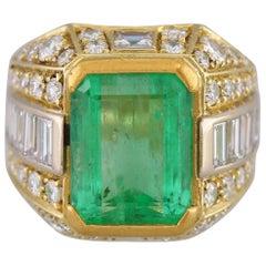 Certified 8.50 Carat Colombian Emerald Diamond 18 Carat Yellow Gold Ring