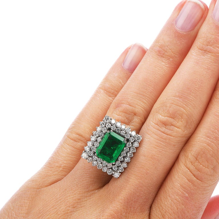 Certified AGL 2.48 Carat Colombian Emerald Diamond Platinum Cocktail Ring For Sale 1