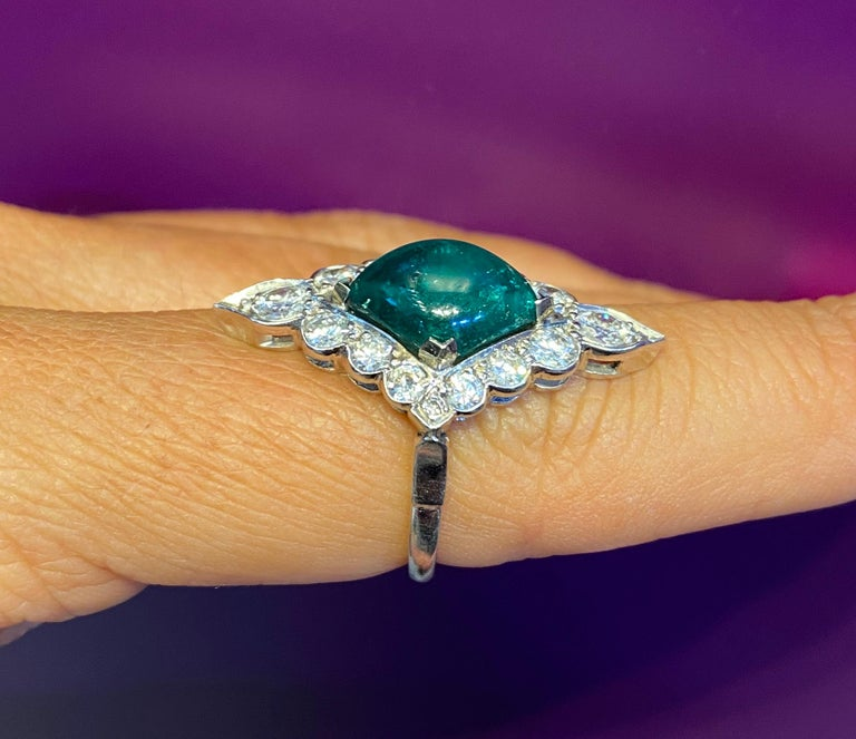 Certified Cabochon Colombian Emerald & Diamond Ring For Sale 2