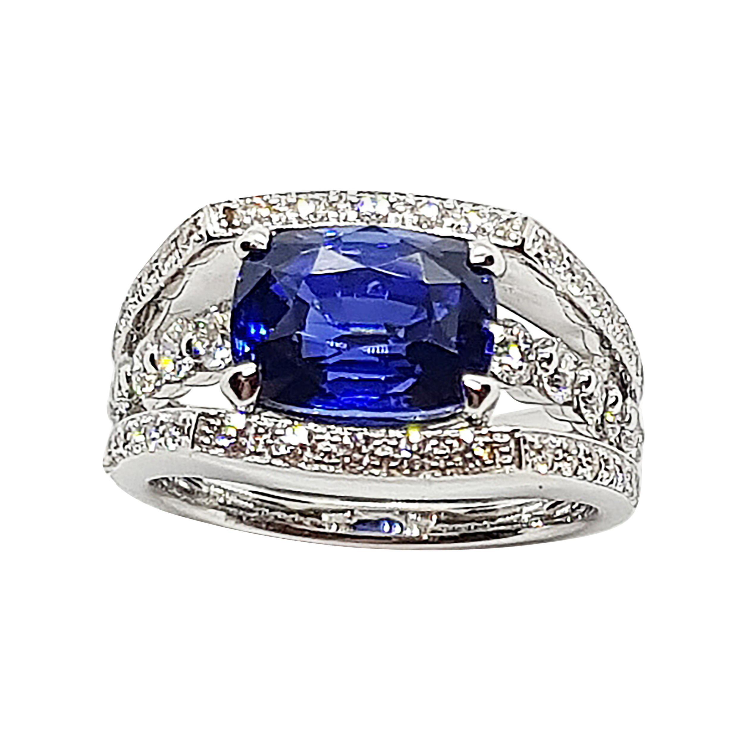 Certified Ceylon Blue Sapphire with Diamond Ring Set in 18 Karat White Gold