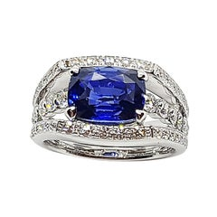 Certified Ceylon Blue Sapphire with Diamond Ring Set in 18 Karat White Gold