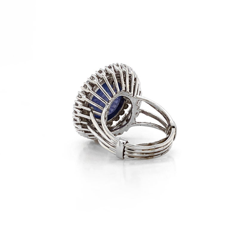 Certified Ceylon Cabochon Sapphire Round Diamond Platinum Cocktail Ring In New Condition For Sale In New York, NY
