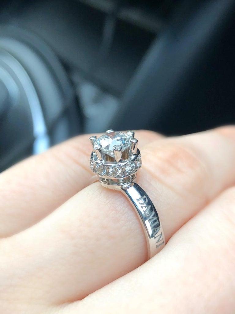 Round Cut Certified Classical 1 Karat Round Diamond 18 Karat White Gold Engagement Ring For Sale