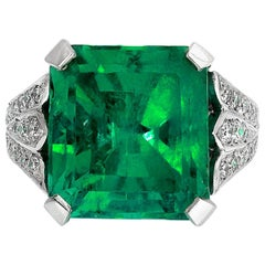 Certified Colombian Emerald 12.9 Carat and Diamonds Fleur-de-Lis Design Ring