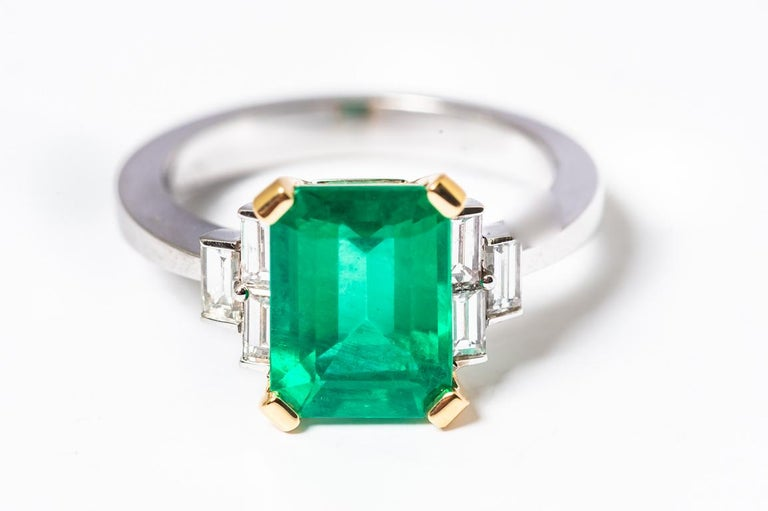 Art Deco Certified Emerald 2.68 Karat White Diamonds on with Gold Engagement Ring For Sale