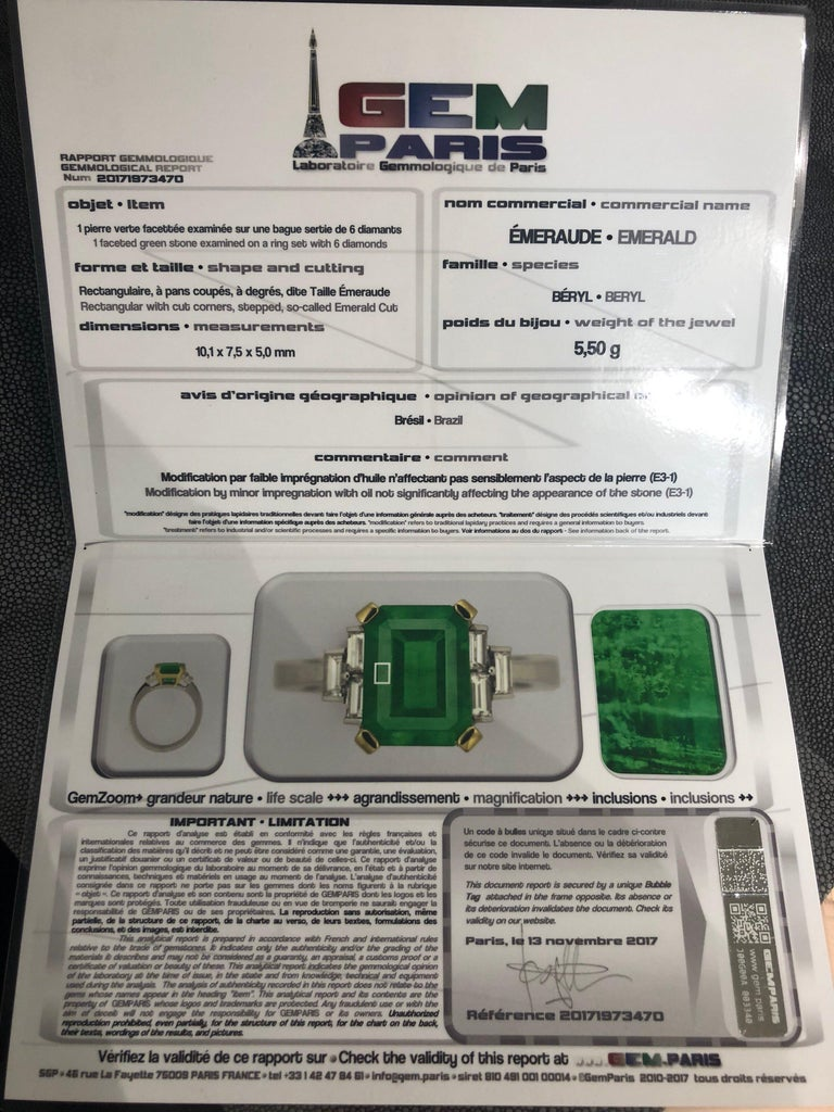 Certified Emerald 2.68 Karat White Diamonds on with Gold Engagement Ring For Sale 1