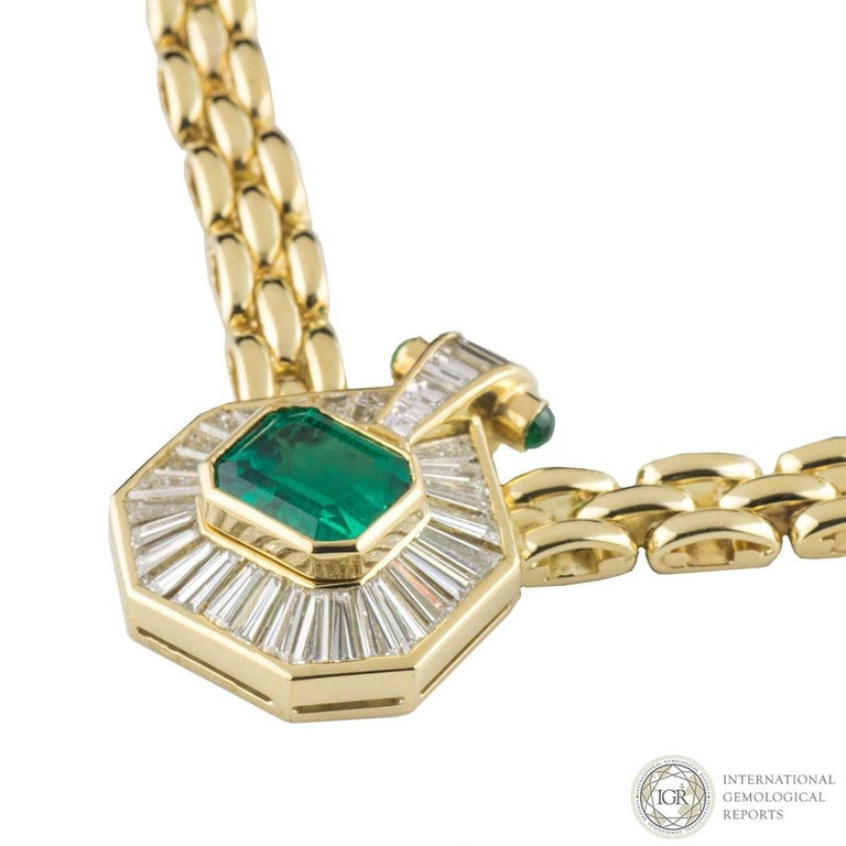 Certified Emerald and Diamond Necklace In Excellent Condition For Sale In London, GB