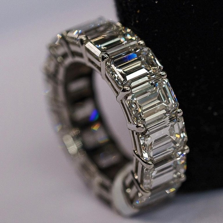 Emerald Cut Diamond Eternity 15.53 Carat Platinum Ring In New Condition For Sale In New York, NY