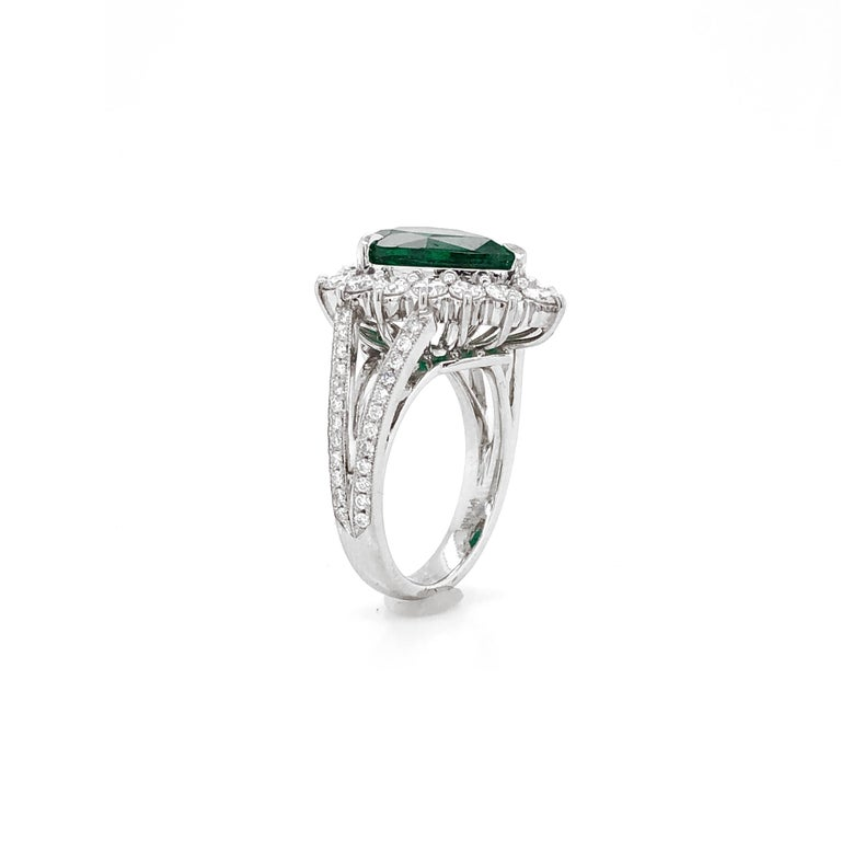 Certified Emerald Pear Cut 3.66 Carat Diamonds Platinum Ring For Sale 2