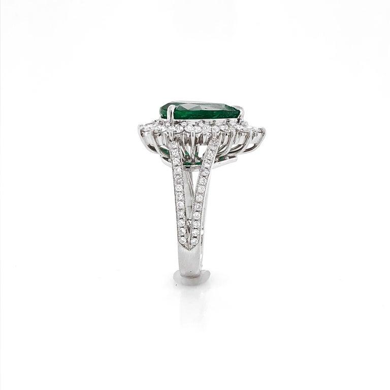 Certified Emerald Pear Cut 3.66 Carat Diamonds Platinum Ring For Sale 3
