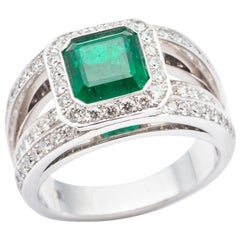 Certified Emerald Ring Decorated with Diamond Paving on White Gold 18k Frame