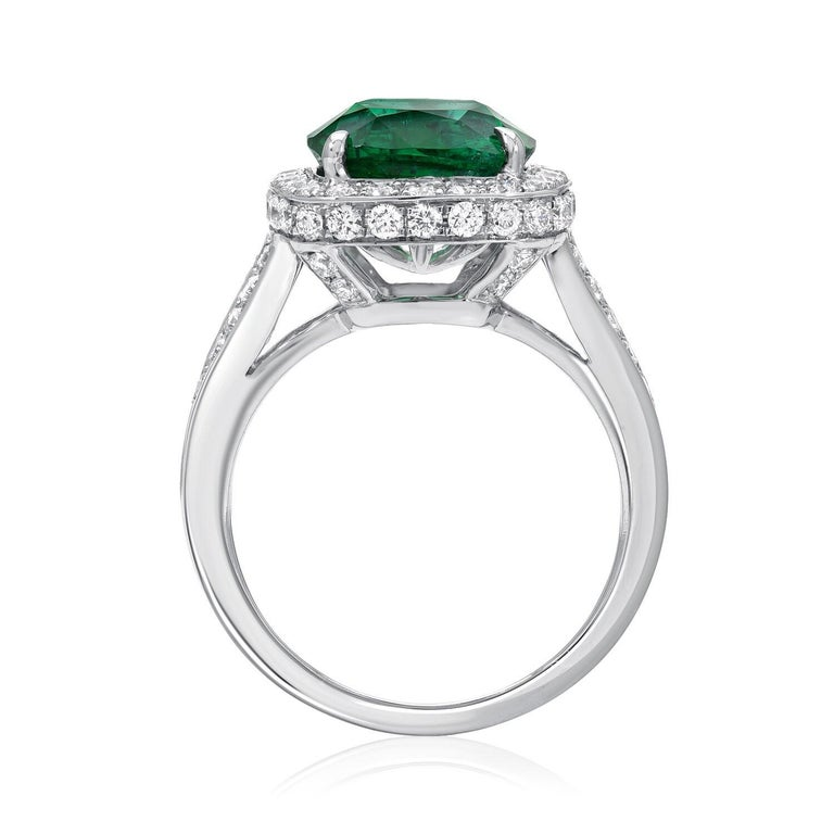 Emerald Ring Cushion Cut 4.66 Carats In New Condition For Sale In Beverly Hills, CA