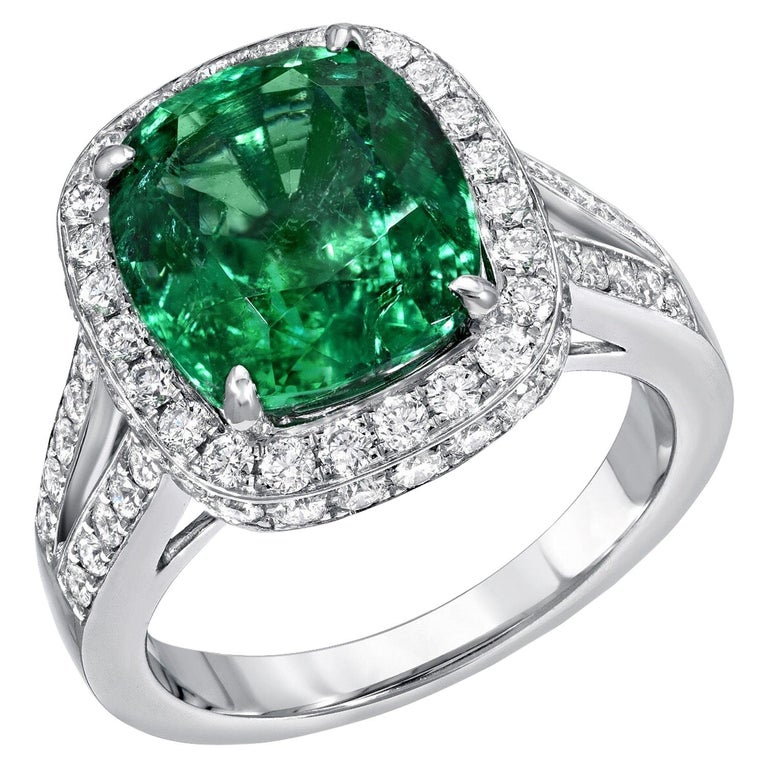 Emerald Ring Cushion Cut 4.66 Carats For Sale
