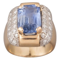 Certified Gold and 7.50 Carat Sapphire French Ring