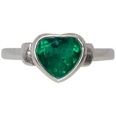 Certified Intense Green 1.33ct Colombian Emerald Heart Cut 18 Karat Gold Ring