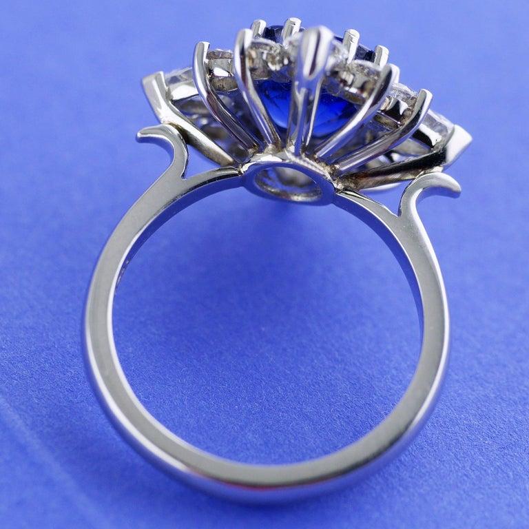 Certified Natural 3.75 Carat Sapphire Diamond Platinum Ring, circa 1960 For Sale 1