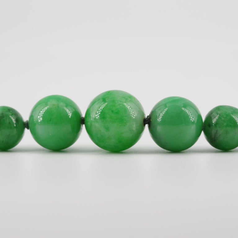 Certified Natural & Untreated Jadeite Jade Necklace in Translucent Verdant Green For Sale 5