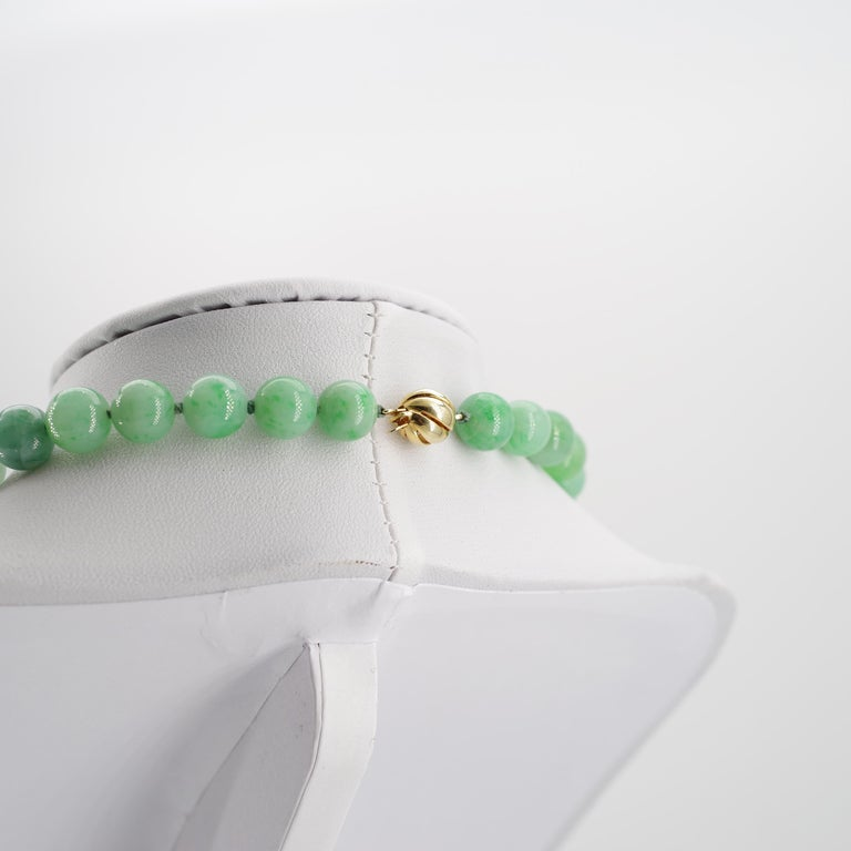 Certified Untreated Jade Necklace in Vivid Translucent Green For Sale 1