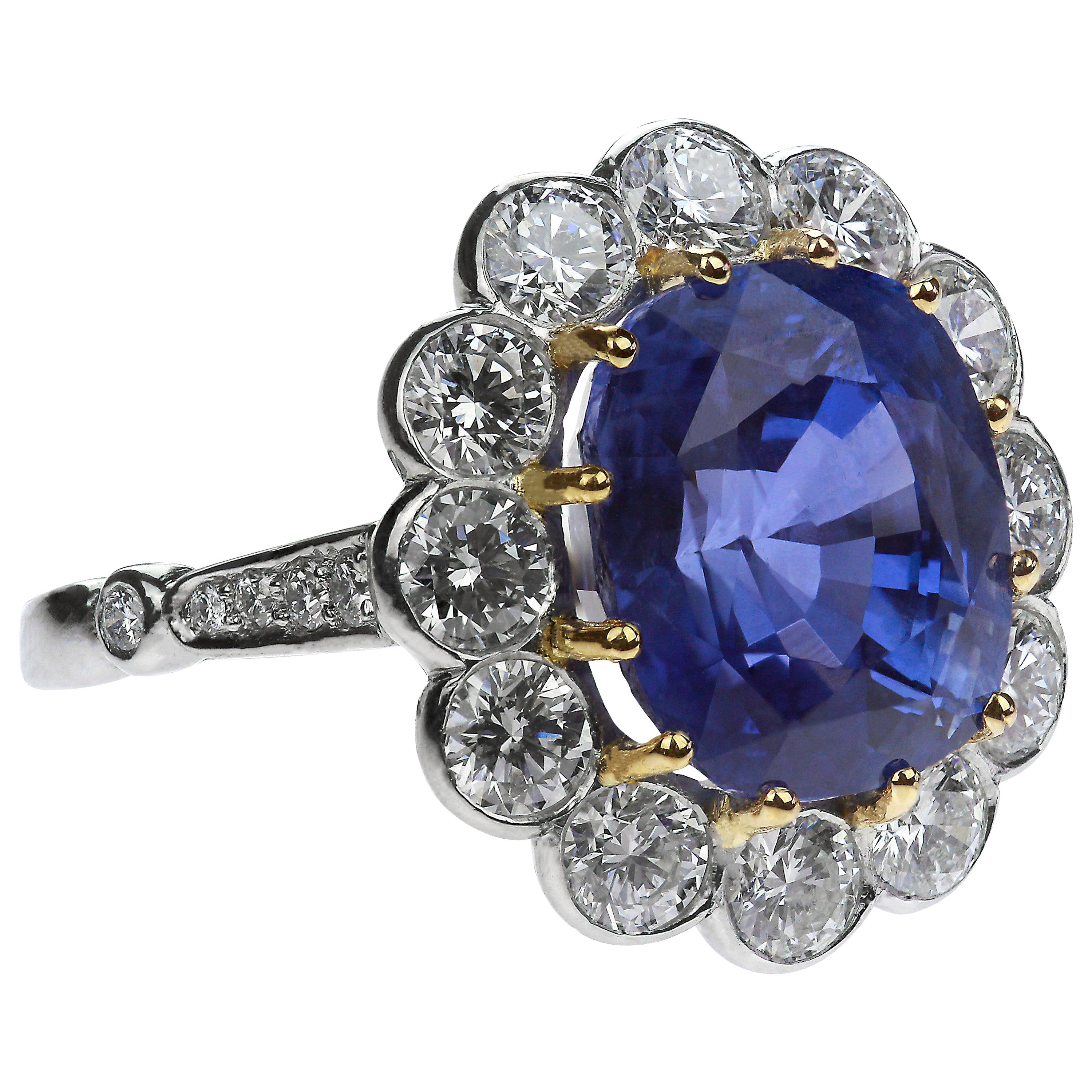Certified Natural Untreated Sapphire 9.2 Carat and Diamond Oval Ring in Platinum