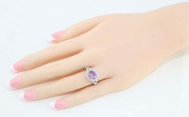 Round Cut Certified No Heat 2.18 Carat Round Pink Sapphire Diamond Gold Ring For Sale