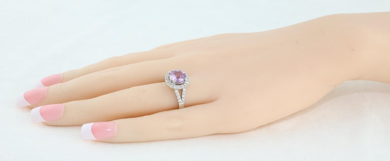 Women's Certified No Heat 2.18 Carat Round Pink Sapphire Diamond Gold Ring For Sale