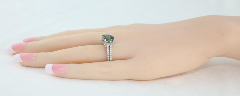 Certified No Heat 2.56 Carat Bluish Green Sapphire Diamond Gold Ring In New Condition For Sale In New York, NY