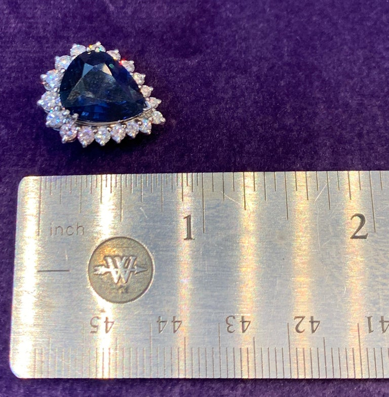 Certified Pear Shape Sapphire and Diamond Earrings In Excellent Condition For Sale In New York, NY
