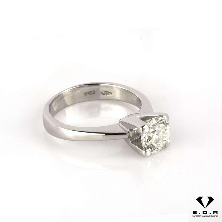 Women's Certified Round Brilliant Cut Diamond Engagement Ring 0.91 Carat For Sale