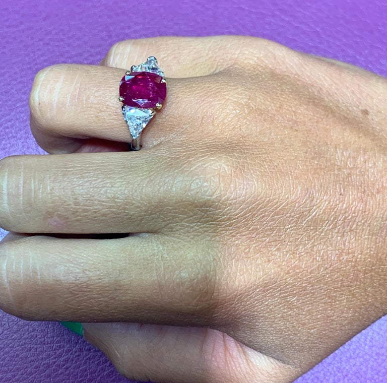 Certified Ruby and Diamond Three-Stone Ring For Sale 4