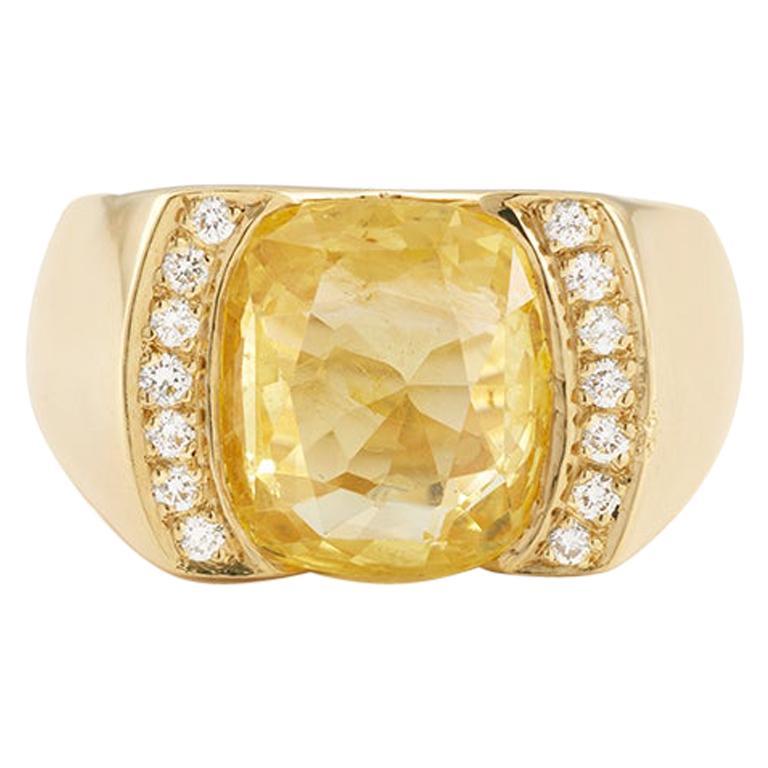 Certified Unheated 4.50 Carat Yellow Sapphire Diamonds 18 Karat Gold Tank Ring For Sale