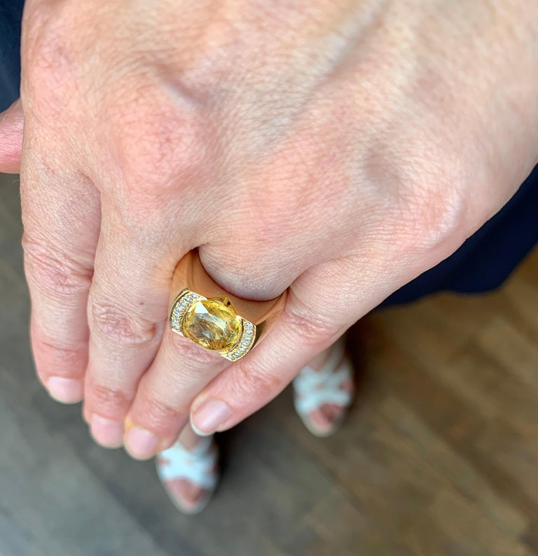 Certified Unheated 4.50 Carat Yellow Sapphire Diamonds 18 Karat Gold Tank Ring For Sale 1