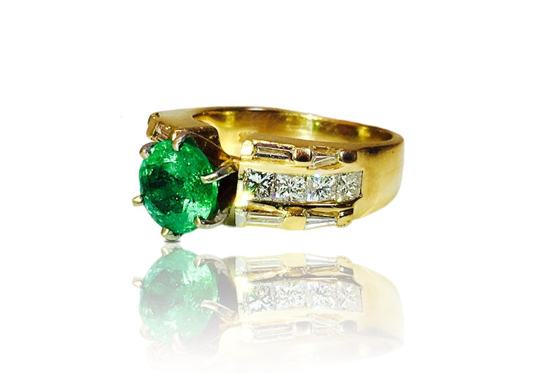 Art Deco GIA Certified 4.85 Carats Vintage Cocktail Emerald Diamond Engagement Ring For Sale