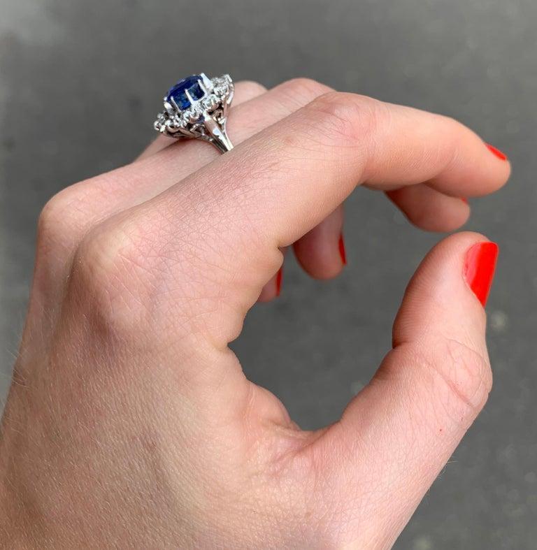 Women's Ceylan Sapphire Diamonds 18 Karat White Gold Pompadour Ring For Sale