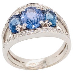 Ceylan Sapphire with White Diamonds on White Gold 18 Karat Rings