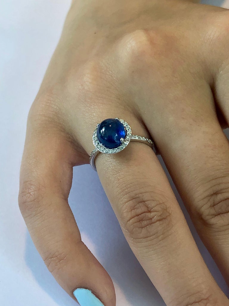 Ceylon Cabochon Sapphire and Diamond Halo White Gold Cocktail Ring For Sale 1