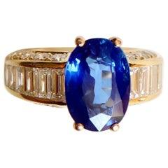 Ceylon Sapphire 6.68 Carat and Diamonds Ring and Yellow Gold