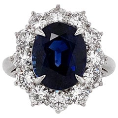 Ceylon Oval Cut Sapphire 7.10 Carat Diamonds Platinum Statement Ring