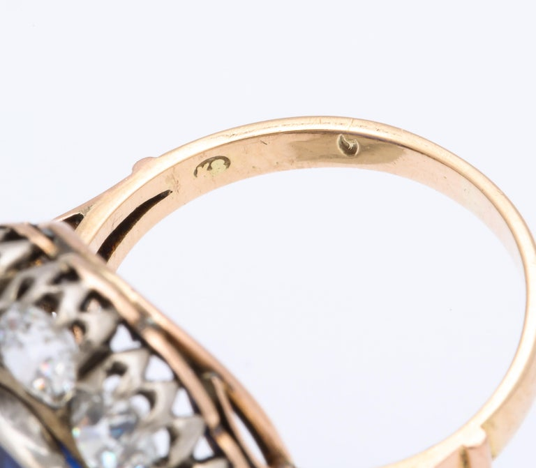 Victorian Ceylon Sapphire Diamond Yellow Gold Ring In Good Condition For Sale In New York, NY
