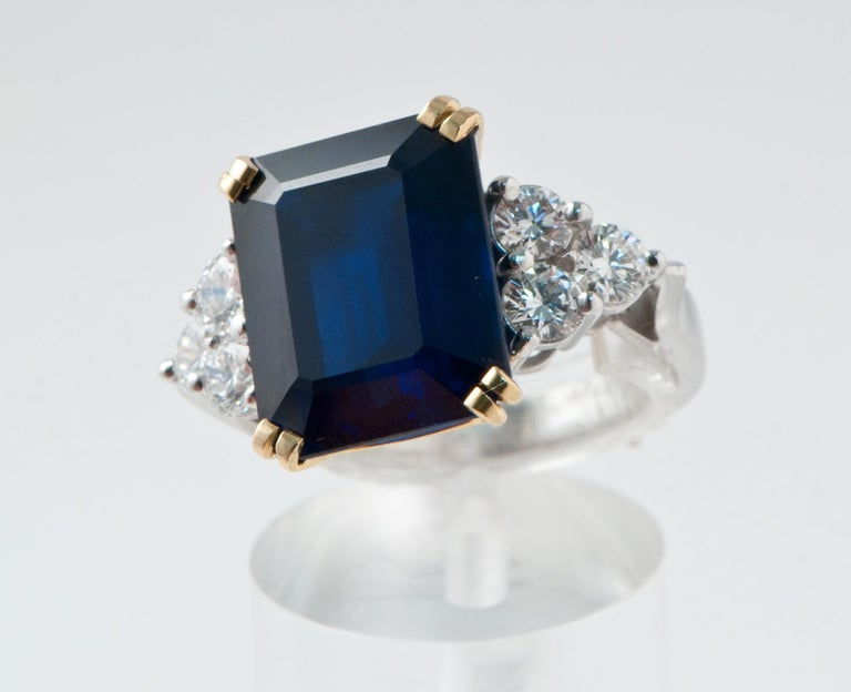 Ceylon Sapphire Diamonds Emerald Size White and Yellow Gold Ring For Sale 1