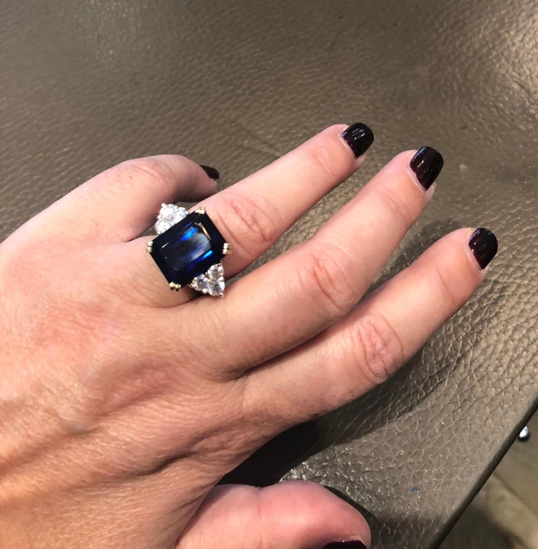 Ceylon Sapphire Diamonds Emerald Size White and Yellow Gold Ring For Sale 3
