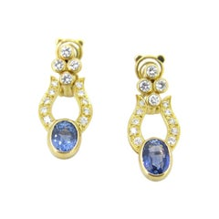 Ceylon Sapphires and Diamonds Earrings, 18kt Yellow Gold, France