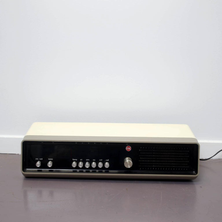 Late 20th Century Mid Century Modern Black and White CGE 1970 Radio Made in Italy, 1970s For Sale