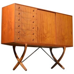 CH 304 Saber Legged Sideboard in Teak and Oak by Hans J. Wegner