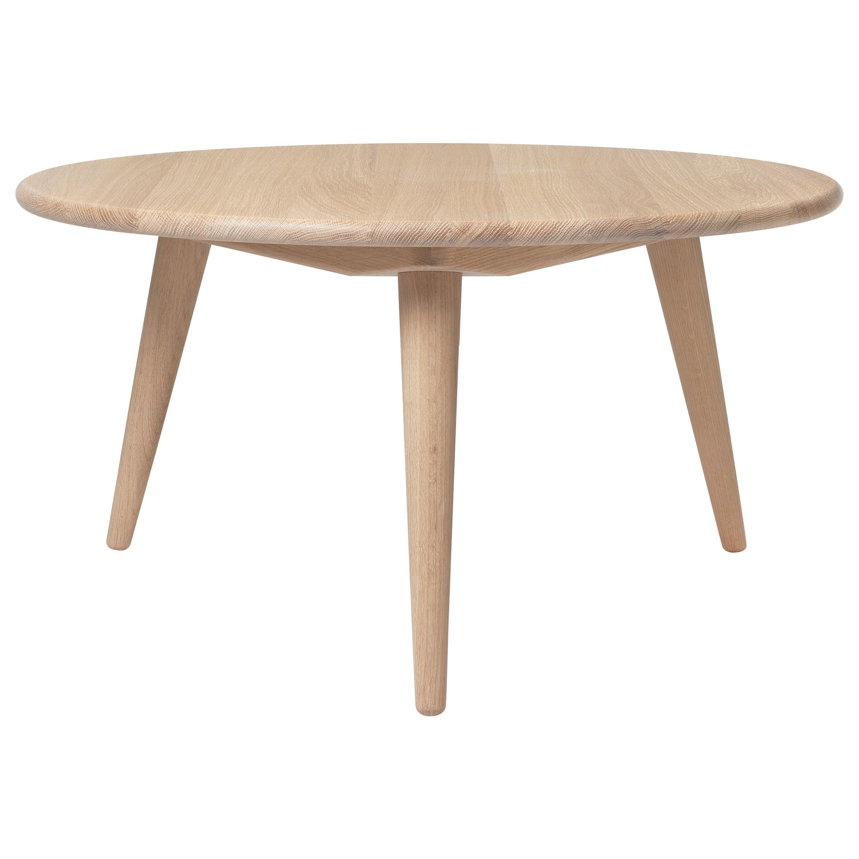 CH008 Medium Coffee Table in Wood by Hans J. Wegner