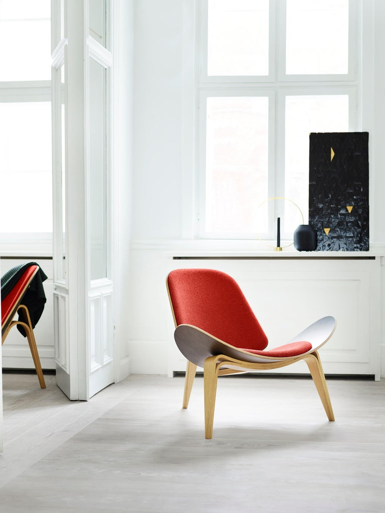 Contemporary CH07 Shell Chair in Oak Painted Black with Foam Seat by Hans J. Wegner For Sale