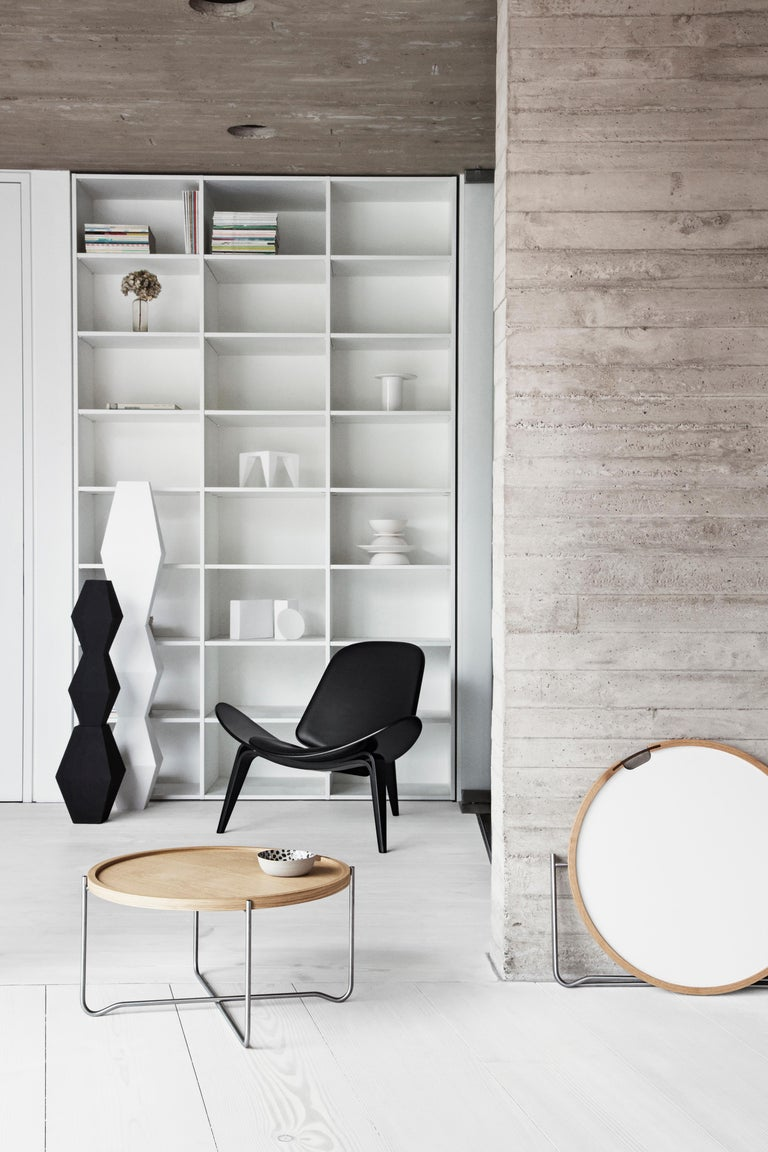 CH07 Shell Chair in Oak White Oil with Leather Seat by Hans J. Wegner For Sale 9