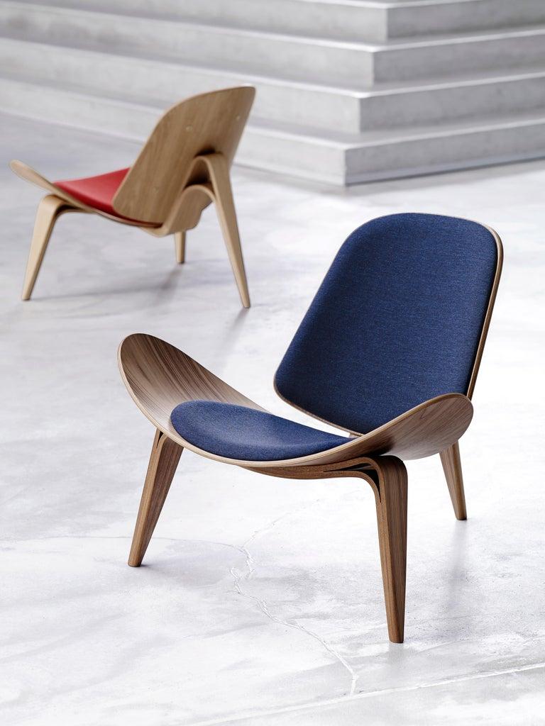 Danish CH07 Shell Chair in Oak White Oil with Foam Seat by Hans J. Wegner For Sale