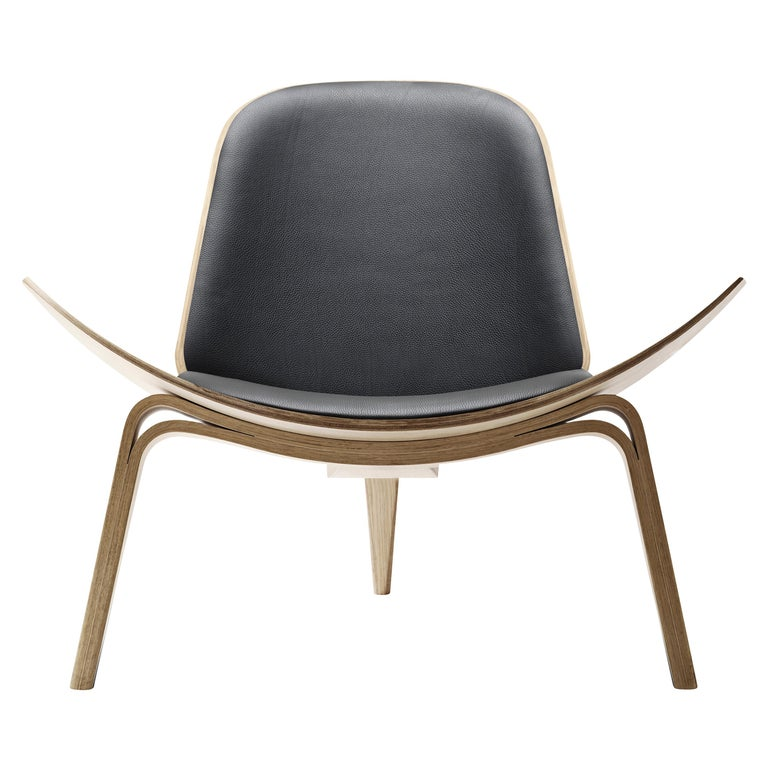 For Sale: Black (Thor 301) CH07 Shell Chair in Oak White Oil with Leather Seat by Hans J. Wegner